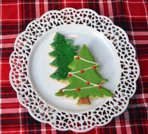 Snow Tailgate 014-Christmas Tree Cookies lizbushong.com